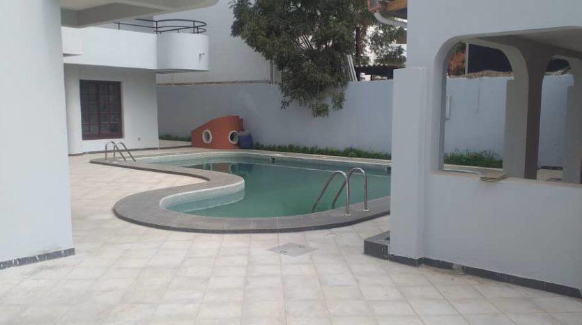 grande villa avec piscine à louer mermoz